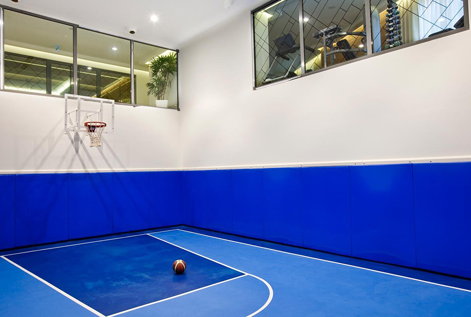 <strong>NEF 03 FOLD OFFICE BASKETBALL<span><b>in</b>Residence </span></strong><i>→</i>