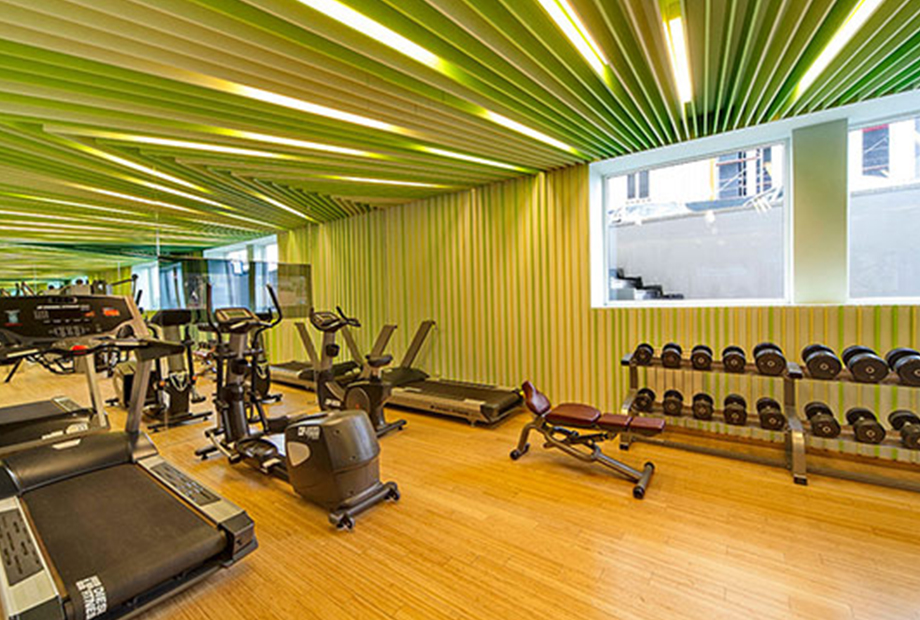 <strong>FITNESS 03 FOLD OFFICE<span><b>in</b>Residence </span></strong><i>→</i>